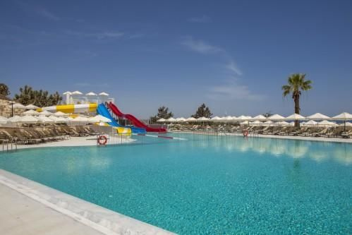 St. Elias Resort - Pool